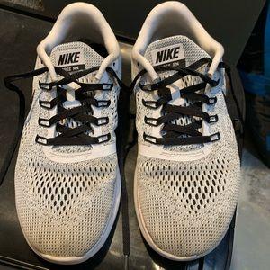 Women's Nike Free RN Shoe